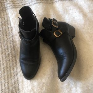 Mossimo | Black ankle booties